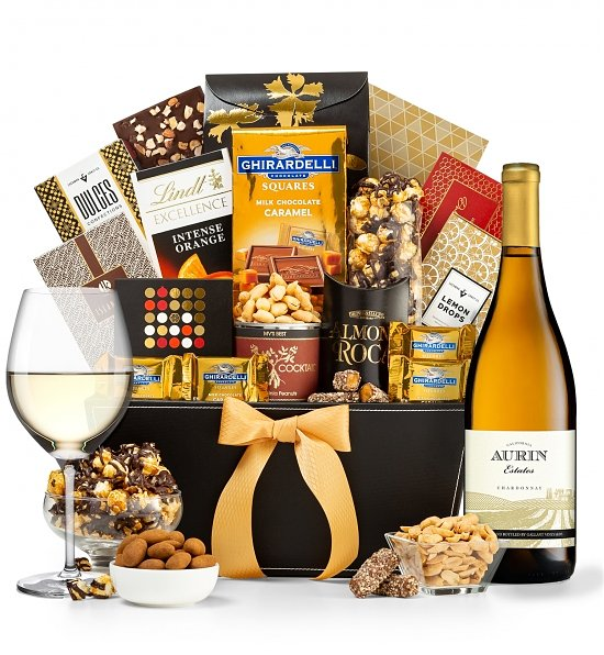 Wine Baskets: Metropolitan with Your Choice of Wine